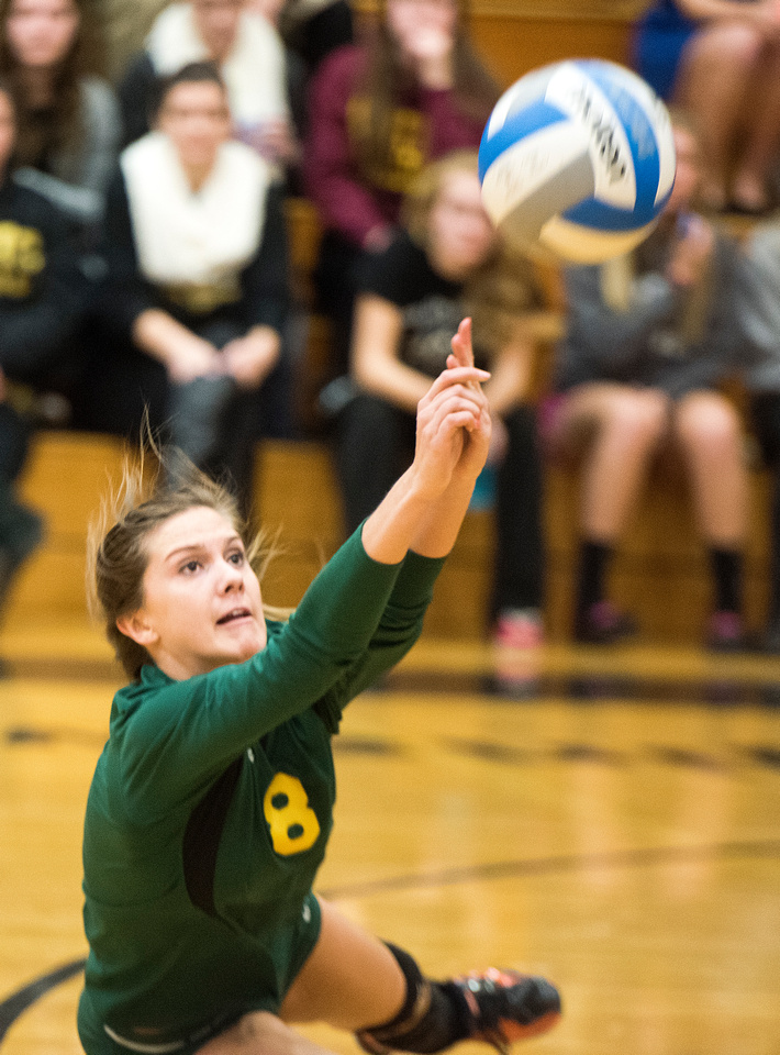 Dow High advances to district finals after beating Midland High