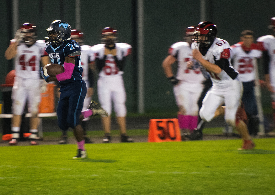Meridian Mustangs host Beaverton Beavers football on Oct. 24